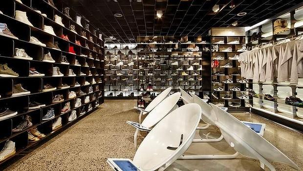 am-w-sneakerboy-20131127002939585816-620x349.jpg