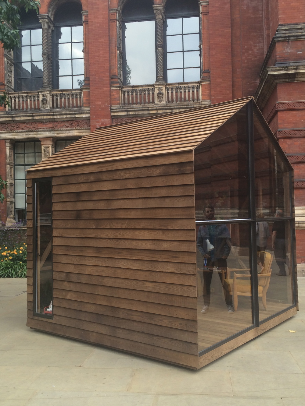 Paul Smith shed / V&A
