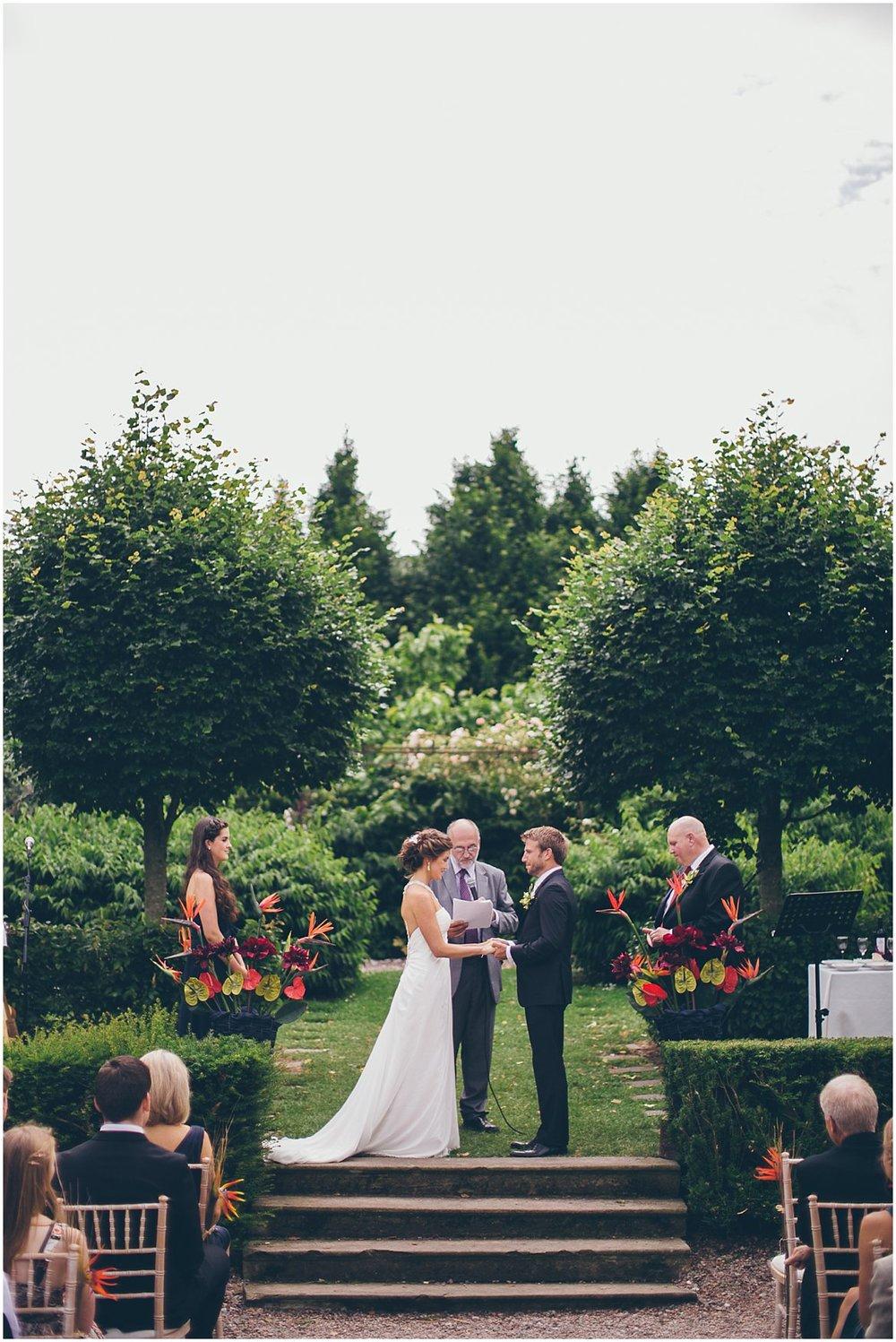 northern-ireland-wedding-photographer-larchfield_0309.jpg