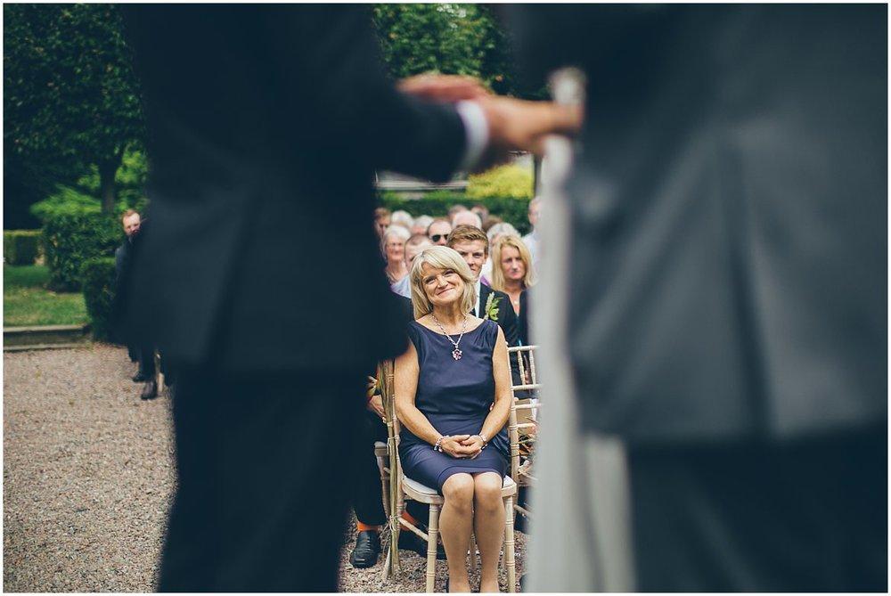 northern-ireland-wedding-photographer-larchfield_0311.jpg
