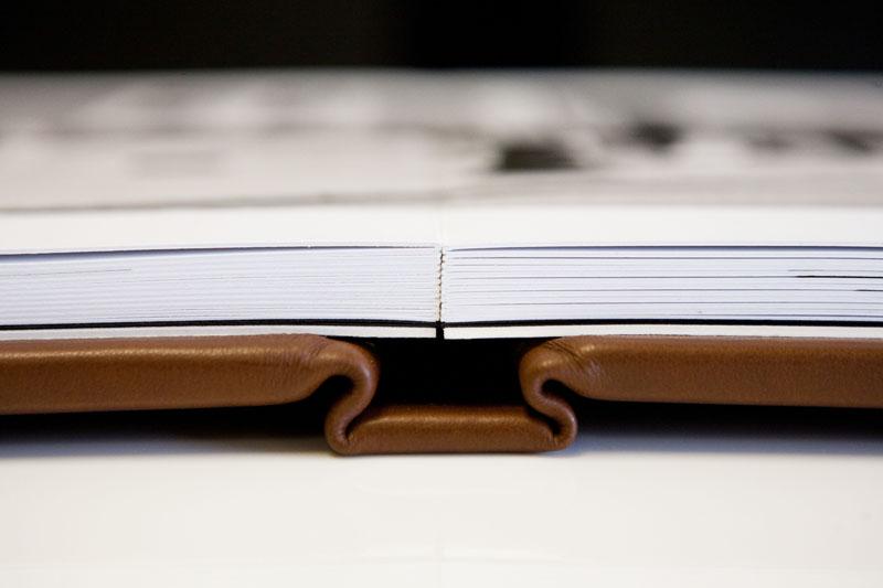 folio_albums_05_spine_close_up.jpg
