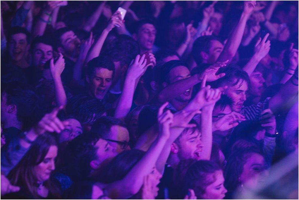 twodoorcinemaclub-a face in the crowd_0010.jpg