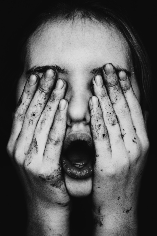 Jenny_Woods-hands-03.jpeg