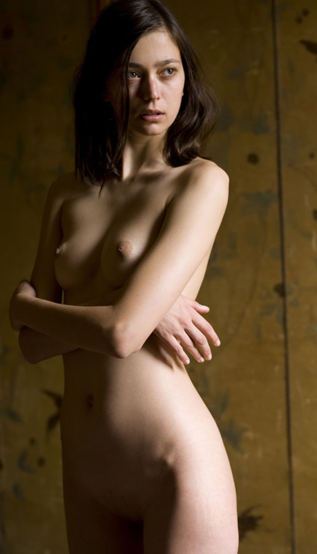 Morgane_Dubled-Mona_Kuhn-07.jpeg