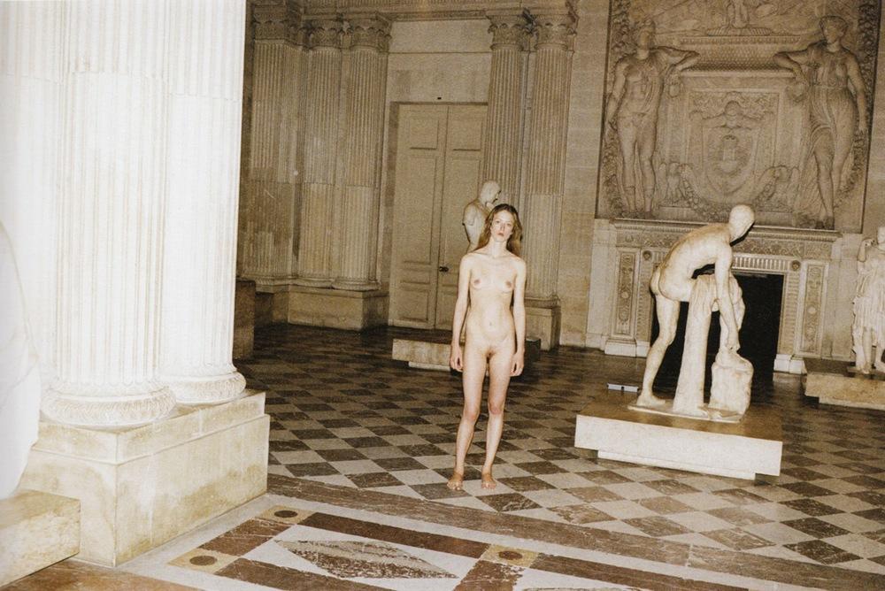 Raquel_Zimmermann-Charlotte_Rampling-Juergen_Teller-Louvre-04.jpeg