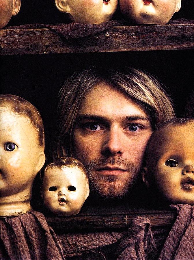 Nirvana-Kurt_Cobain-Mark_Seliger-04-everyday-i-show.jpeg