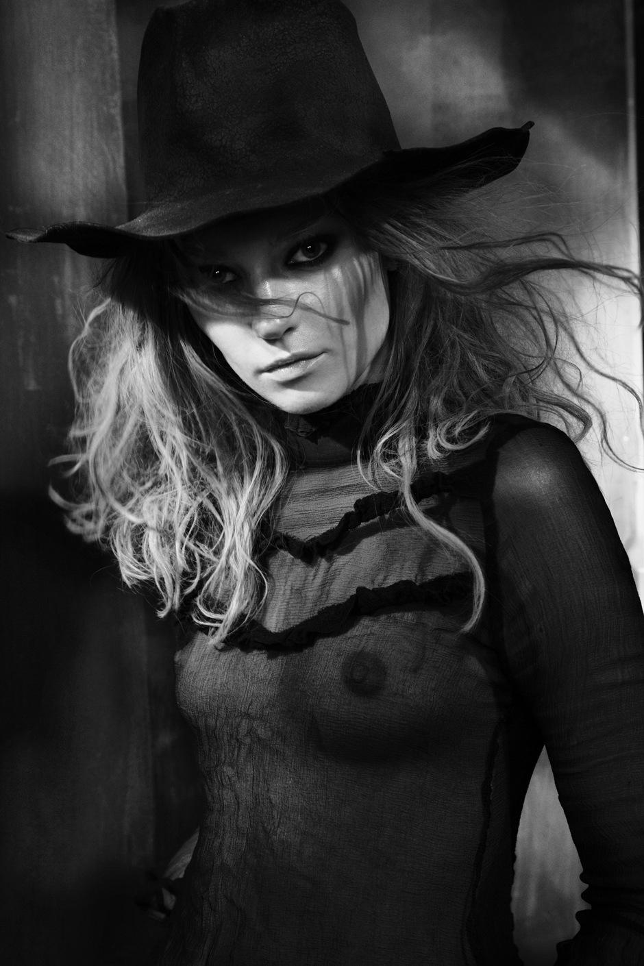 Johanna_Jonsson-Jesse_Laitinen-REVS-01.jpeg