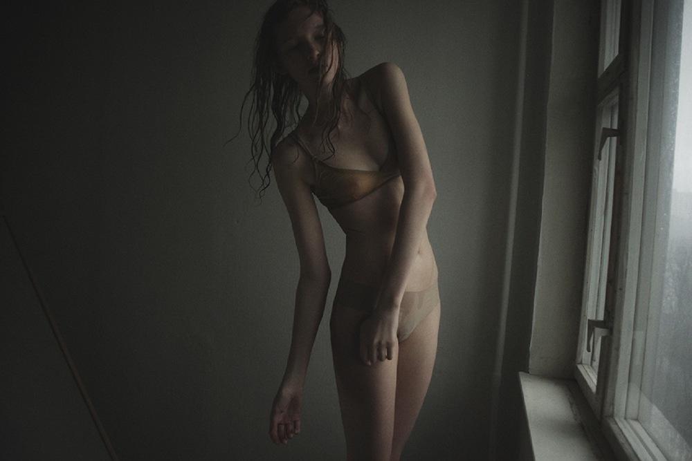Nastya_Sten-Masha_Demianova-01-foudre.jpeg