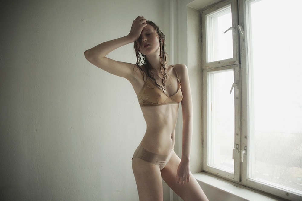 Nastya_Sten-Masha_Demianova-02-foudre.jpeg