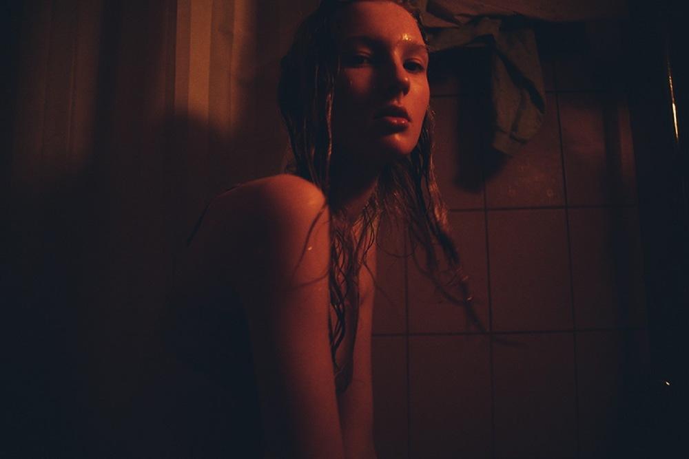Nastya_Sten-Masha_Demianova-05-foudre.jpeg