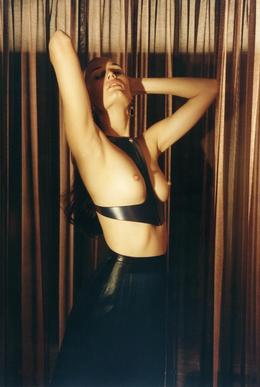 Alla_Kostromichova-Robi_Rodriguez-Wallpaper-01-thelibertine.jpeg