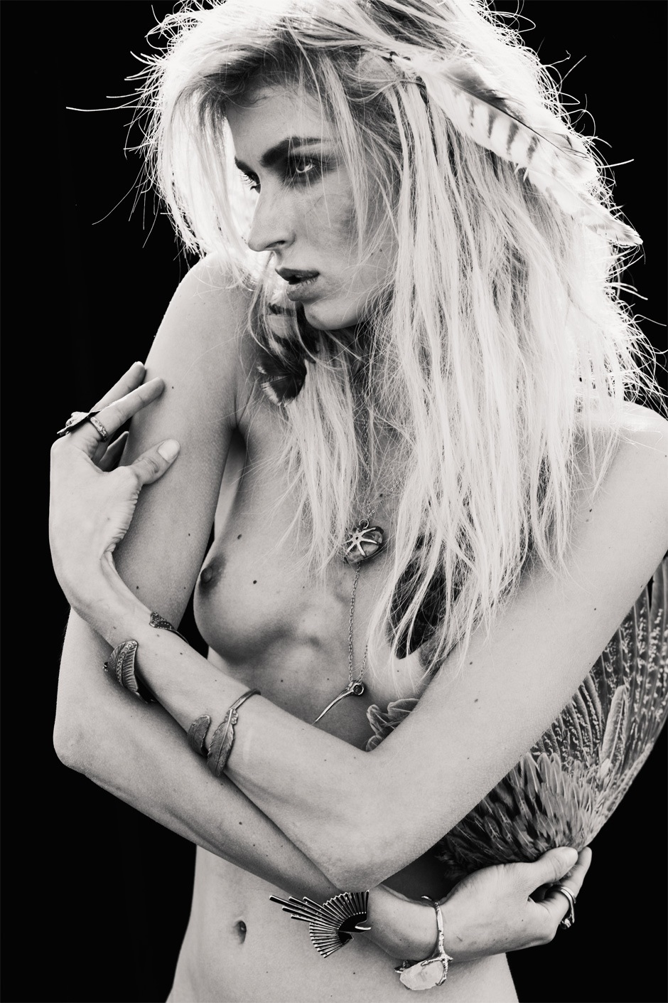 Milena-Aaron_Feaver-Confashion_Magazine-06-fashionising.jpeg