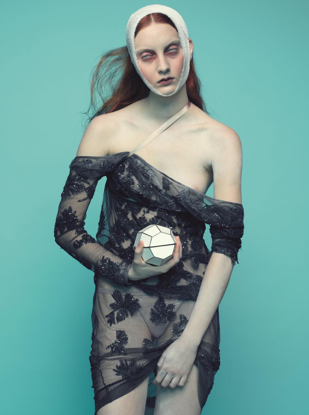 Codie_Young-Nicolas_Valois-The_Wild_Magazine-10-mode.newslicious.jpg
