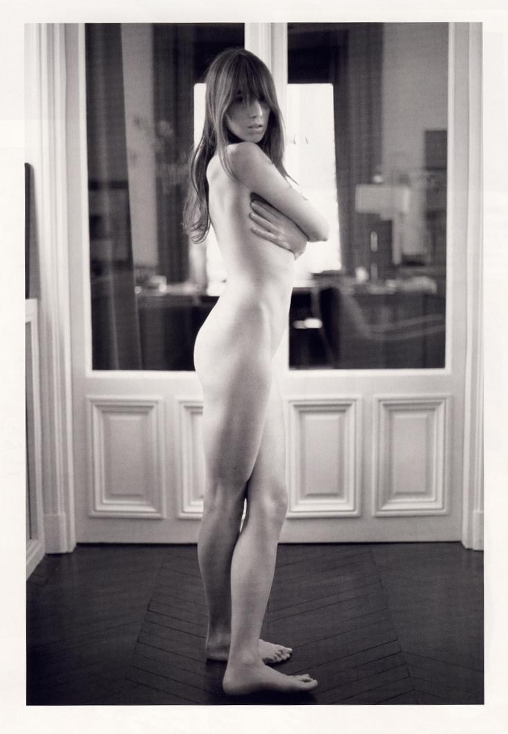 Charlotte_Gainsbourg-Mario_Sorrenti.jpg