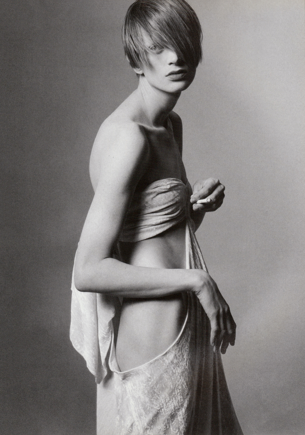 Kristen_McMenamy-Steven_Meisel-1994-photographicpictures.jpg