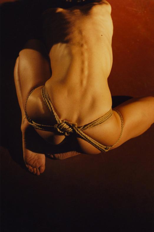 Helena_Severin-Markus_Pritzi-Sentimental_Magazine-03.jpg