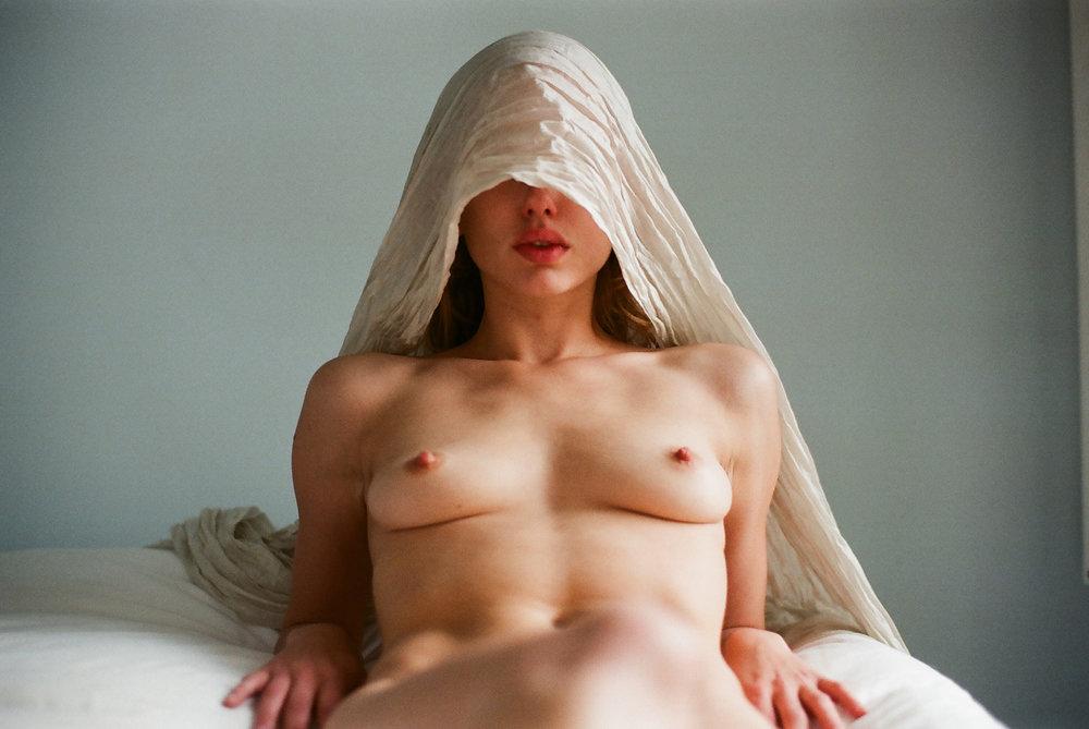 Scarlett_Lillia_Davis-Bradley_Luna_Wilson-P_Magazine-01.jpg
