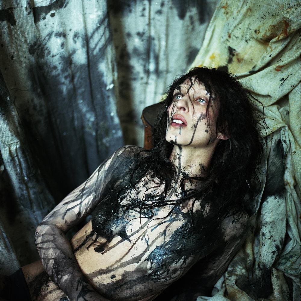 Maggie_Maurer-Nicol_Vizioli-King_Kong_Magazine-01.jpg