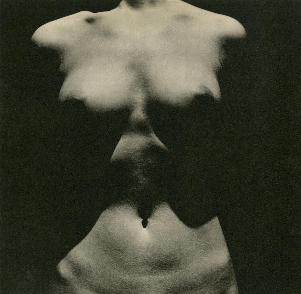 George_Hurrell-Nude_Torso-1937-oldalbum.jpg