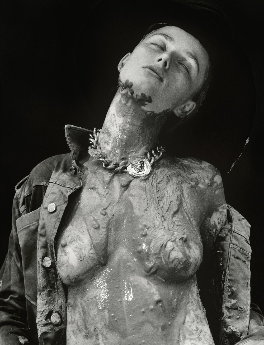Rianne_van_Rompaey-Harley_Weir-Love_Magazine-01-itr2010.jpg