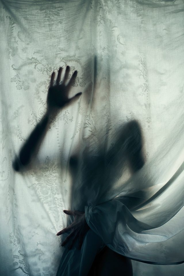 Iness_Rychlik-Dark_Beauty_Mag.jpg