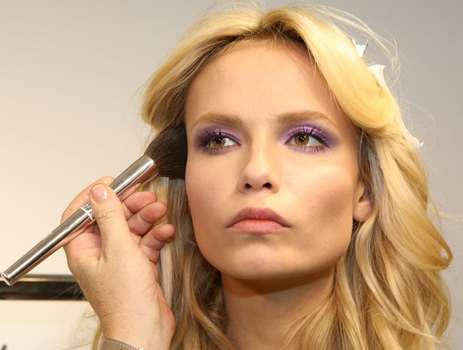 versace-purple-eyeshadow-1.jpg