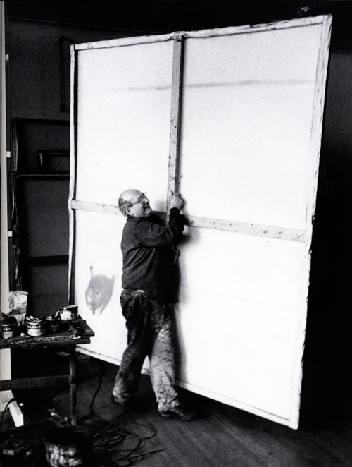 Rothko moving a canvas for reconfigutation