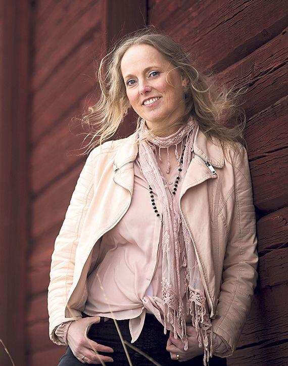SUSANNA ERÄTULI kirjailija, hengellinen ohjaaja, kouluttaja