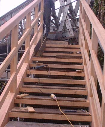 Footbridge construction