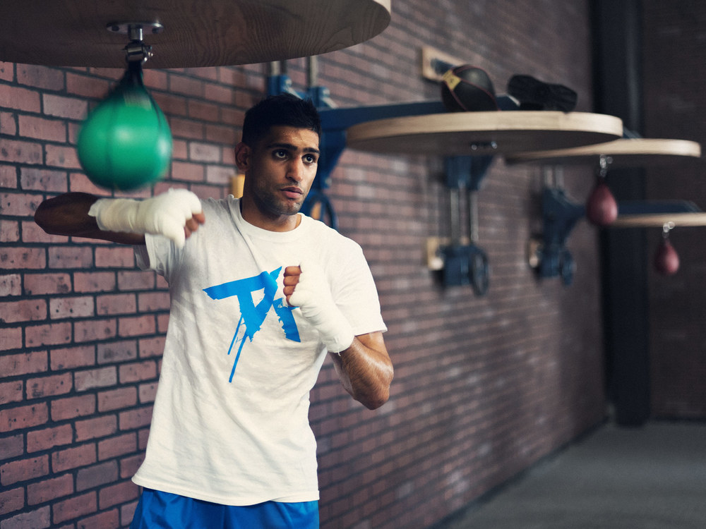 amir-khan-photo-AK-tshirt-training-01.jpg