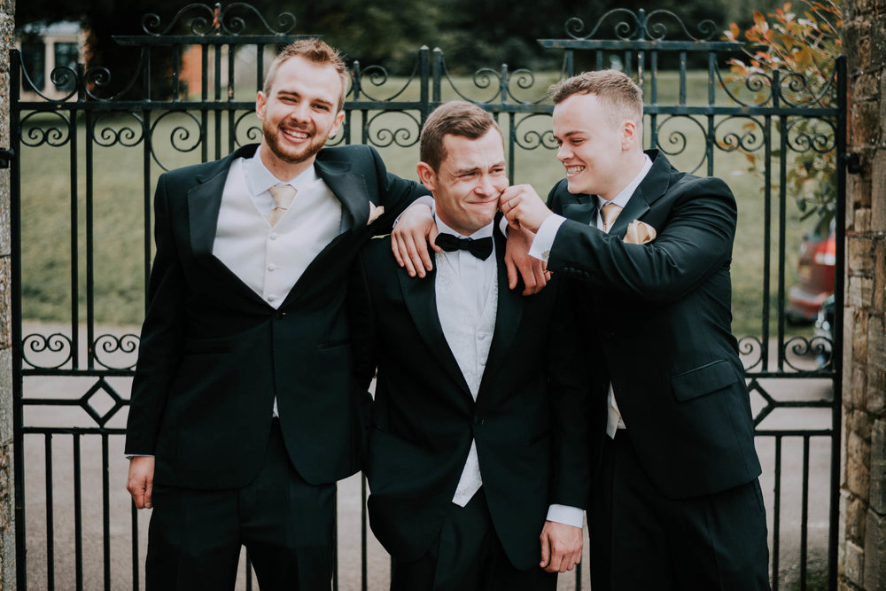 Groom-bestmen-wedding-blog-scott-stockwell-photography-end-2017.jpg