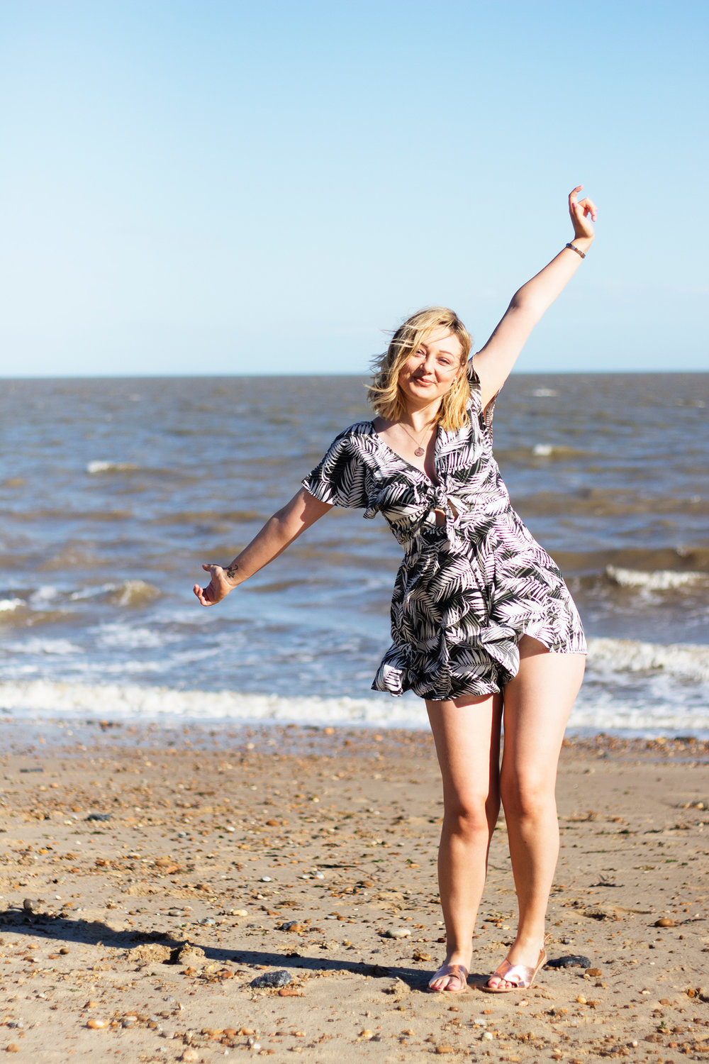 Lauren-Sowter-Photoshoot-Felixstowe.jpg