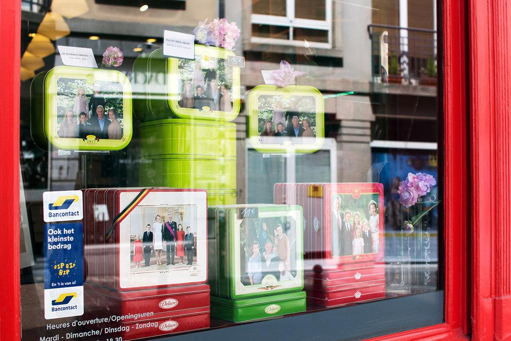 Window display at Biscuits Delacre