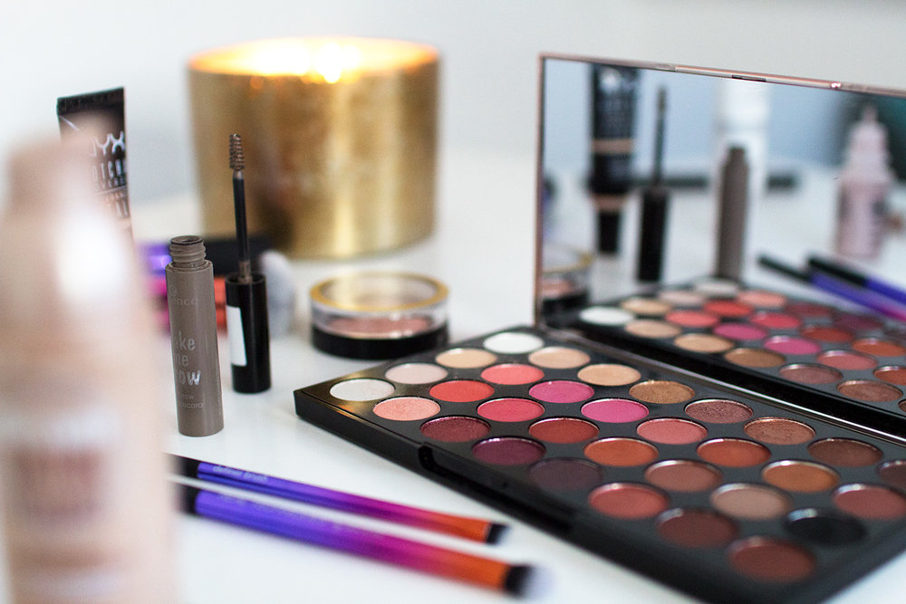 Makeup Revolution Flawless 4 Palette. Photography by Alice Red.