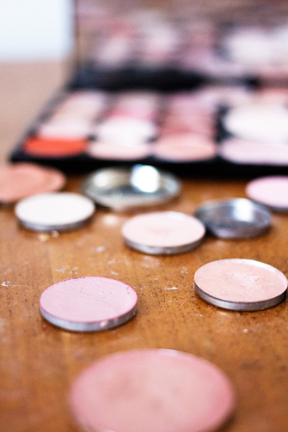 Creating-custom-makeup.jpg