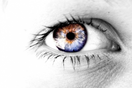 Image of a person's eye