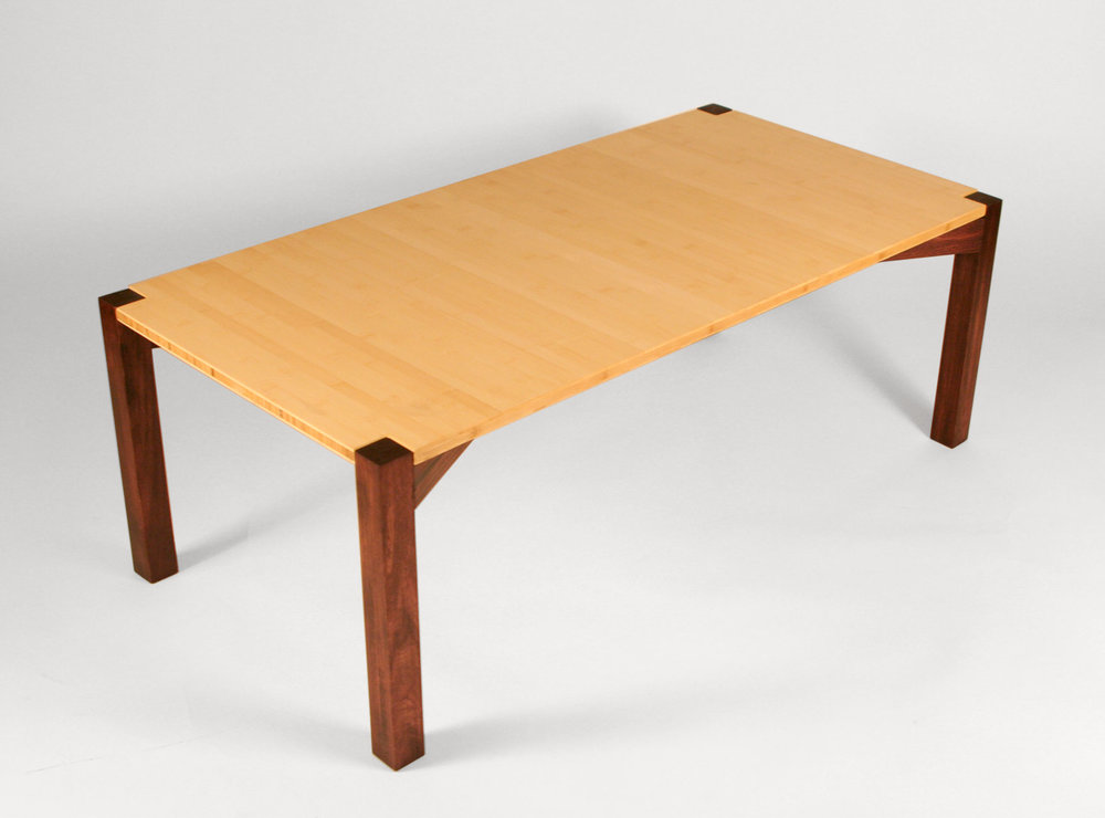 Plyboo and poplar coffee table that breaks down flat without any hardware.