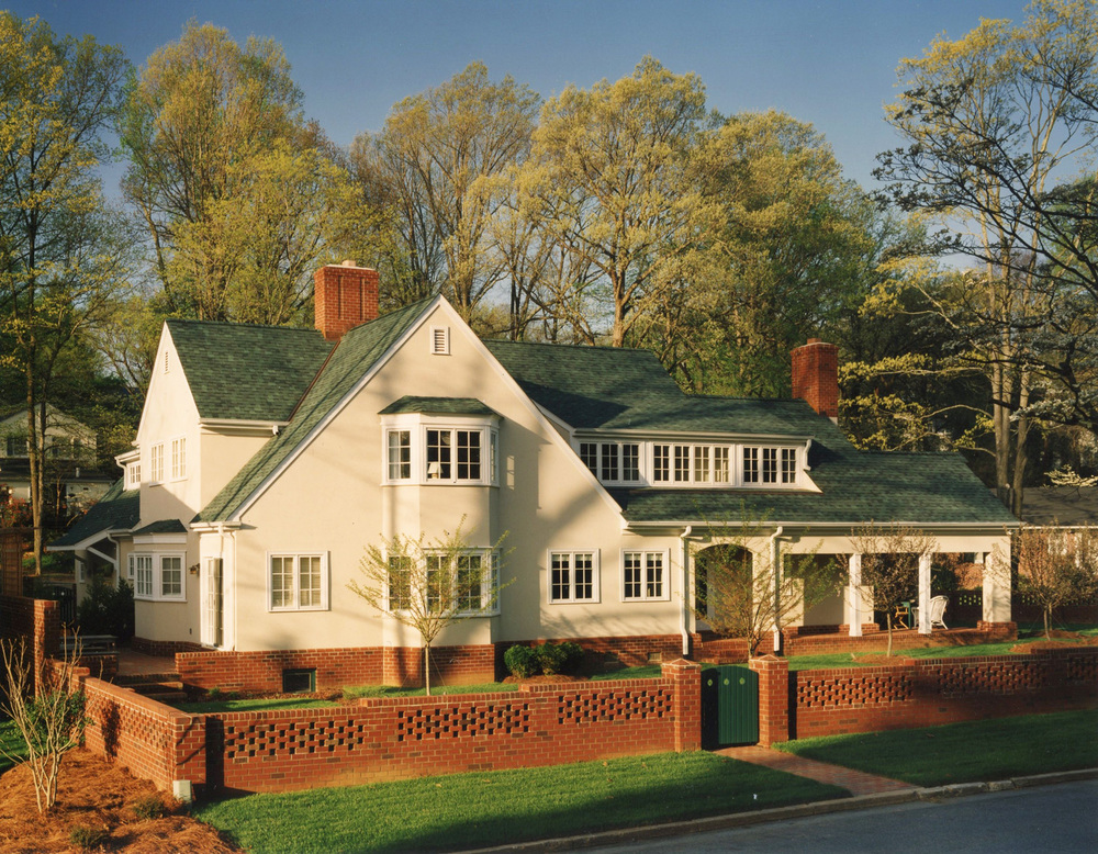 private-residence-greensboro-nc-01-a-plus-architects-frank-cheney-front-02.jpg