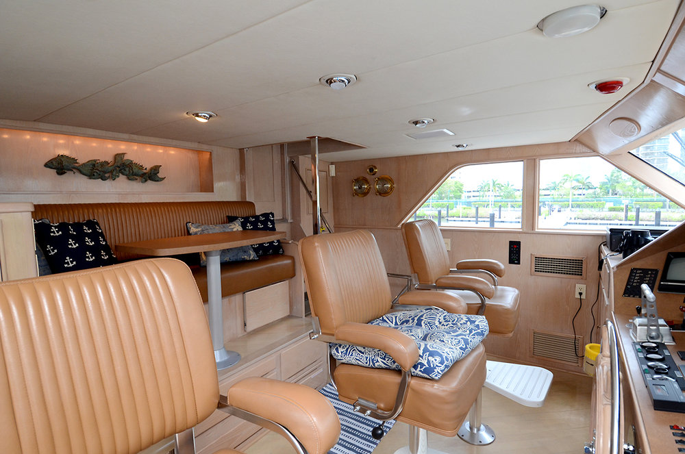 90-burger-pilothouse-helm.jpg