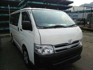 2013 Toyota Hiace.jpg