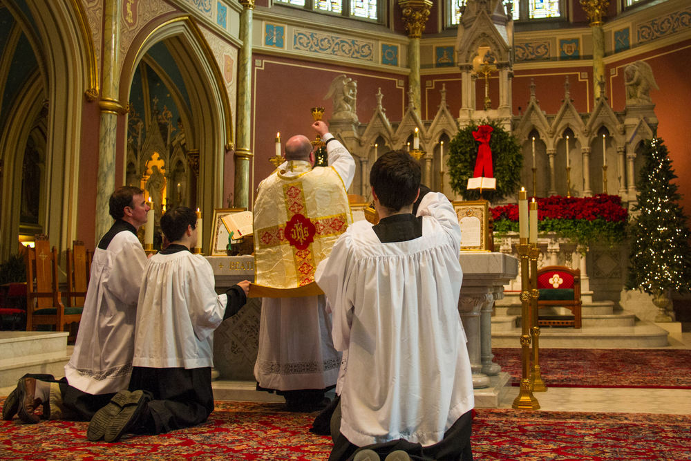Consecration of the Holy Eucharist at the Latin Mass in the Cathedral of St. John the Baptist Catholic Church, Savannah, GA.