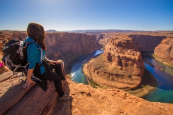 Many who visit Horseshoe Bend come and go in a hurried rush to snap a few pictures and then to move on to another location. The best way to soak in the experience is to spend several hours just sitting and admiring.