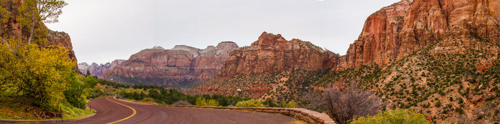 Zion Park Scenic Byway begins from the Southern Gate Entrance of the park and curves up sharply through the gorgeous mountains, providing a dramatic look down into the valley.