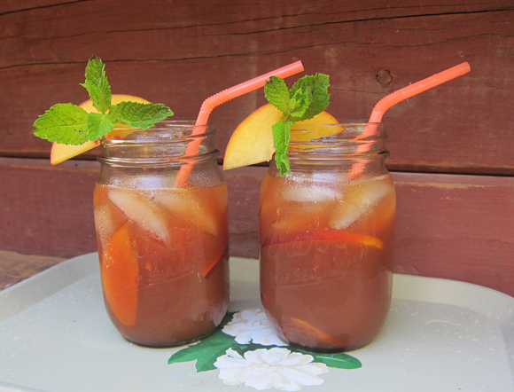 Sweet Peach Tea Cocktail.jpg