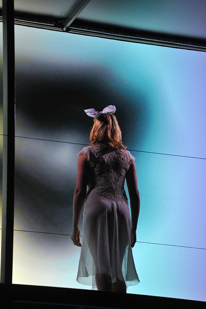 Alice Sara back 72.jpg