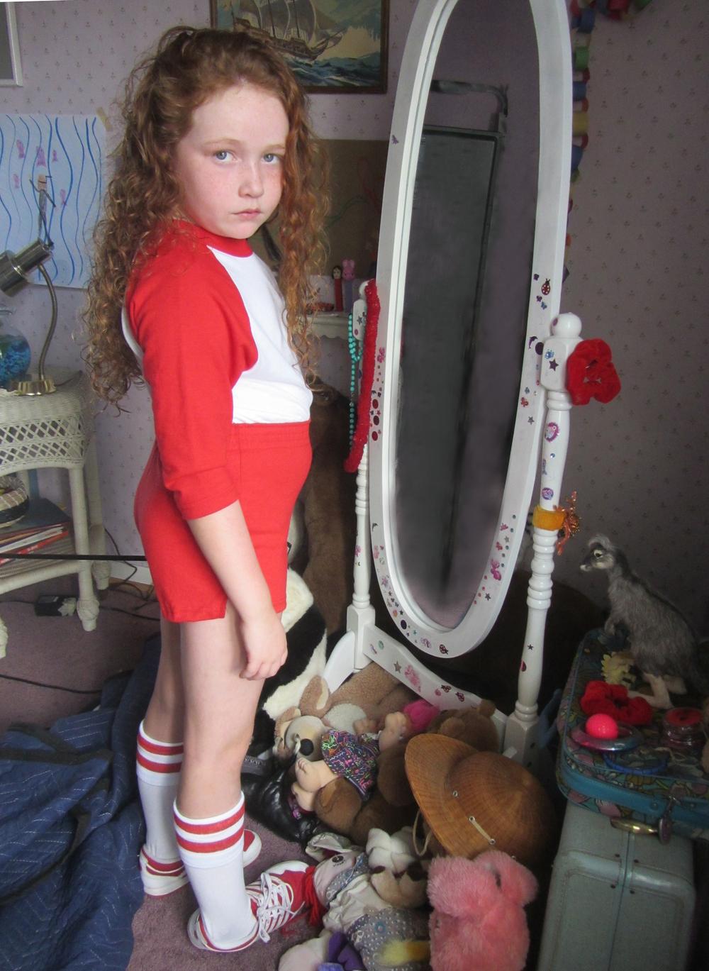 BELLY girl room red 72.jpg
