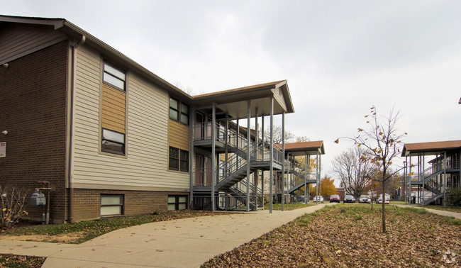 Jackson Woods Apartments