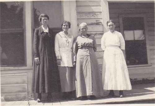 Mamie, Muriel, Hattie and Edith Sala on the porch of their home in Gridley, California