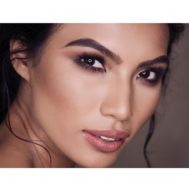 Beauty close up 👄👁 ❤️#photography @belindamullerphoto #mua @zareenshahco #hair @helgabosmanhairstylist #model @parulshah88 #winner of the #amazingraceasia  #squadgoals  #makeuptutorial #makeuplook #makeupartist #makeup #makeuplife #hairstyling #hairstylist #hairstyle #feminine #asianmodel #beautyqueen #asianbeauty #asianbeautygram #makeupgram #haircolor #hairstylingtools