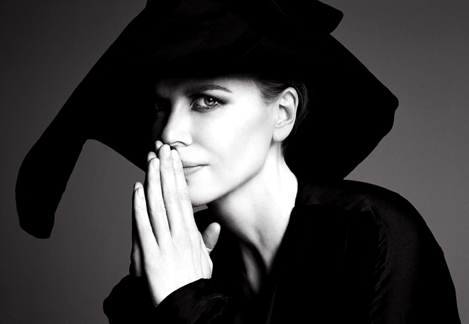 Mesmerizing potrait of Nicole Kidman, taken by Patrick Demarchelier.